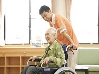 お昼を挟んで4H!〇有料老人ホームの生活サポーター〇経験不問 イメージ1