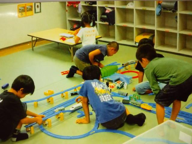 【小学校内の施設で遊ぶ!】放課後子どもひろばの児童指導員 イメージ1