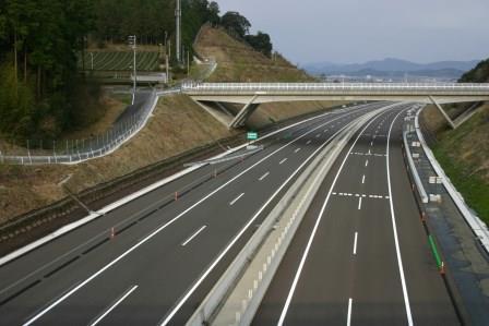 【長野/1ヶ月限定】月給34万!高速道路工事の管理サポート イメージ1