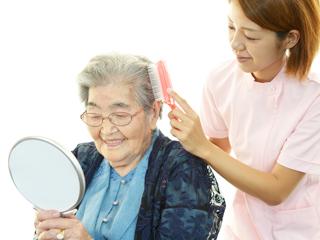 ≪無資格歓迎!≫働きながら0円で介護資格も取得できるお仕事! イメージ1
