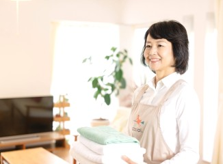 40代以上が8割!ほぼ全員が未経験!一般家庭の掃除スタッフ イメージ1