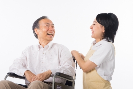 ≪無資格OK・年齢不問≫ミドル層も活躍できる介護アシスタント イメージ2