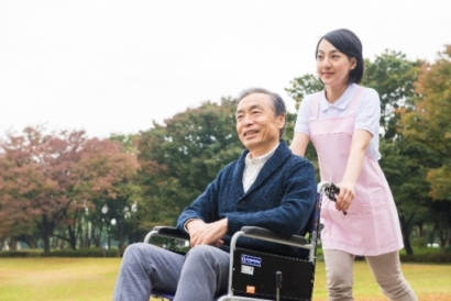 【未経験OK】笑顔溢れる!有料老人ホームでのお仕事! イメージ1