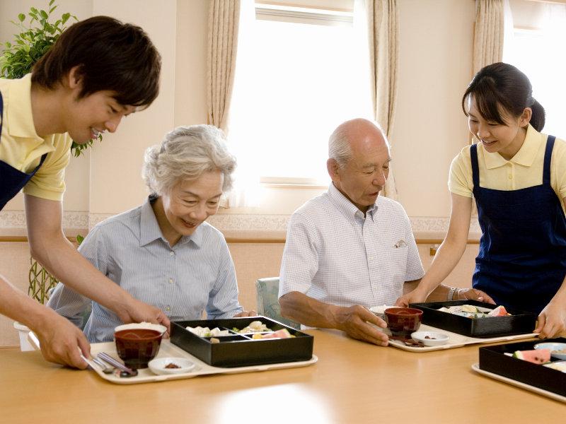 【夜勤は2.1万円/1勤務】週2~3の介護スタッフ*年齢不問 イメージ2