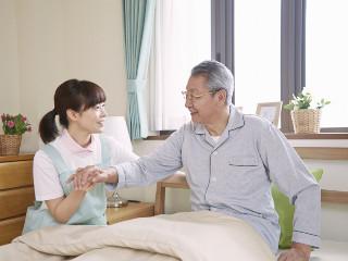 【50代活躍中】介護スタッフ*時給1500円~&週3日~ イメージ2