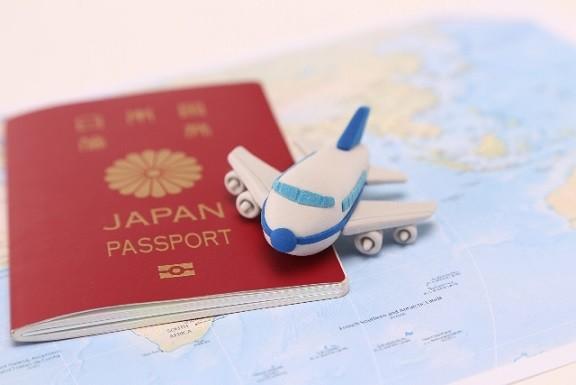 宛名シールを貼って、切符を入れてのりづけ*旅行会社/秋葉原 イメージ1