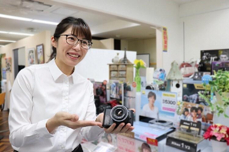 【月収22万~可】人気メーカーカメラご案内スタッフ@広島中区 イメージ1