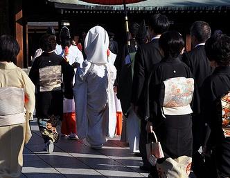 【八芳園】人気のブライダル・パーティースタッフ イメージ1