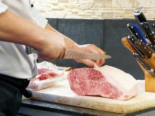 【シンプルなのに良い時給!】肉をパック詰めして…並べるだけ! イメージ1