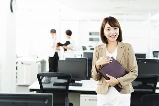 11、12月【60名募集】TEL&入力事務♥未経験も活躍中♥ イメージ1