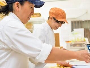 【週3日~お休み多めもOK】施設のキッチンで調理お手伝い イメージ1