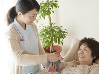 【土日だけで月7.6万円】お年寄りの生活のお手伝い*年齢不問 イメージ1