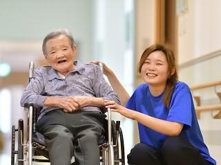 【土日休みもOK!】初めての方歓迎!接客経験が活かせる介護 イメージ1