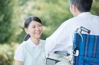 【土日だけで月7万円】お年寄りの生活のお手伝い*年齢不問 イメージ1