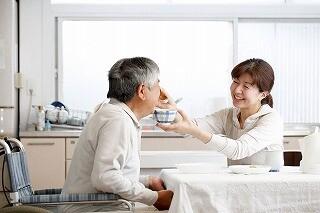【土日だけで月9.2万円】お年寄りの生活のお手伝い*年齢不問 イメージ1