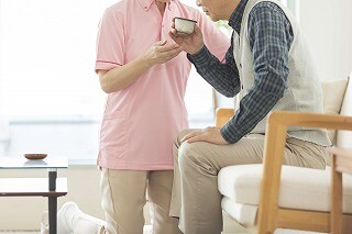 週3日~*おじいちゃんの話相手から始めるデイサービススタッフ イメージ1