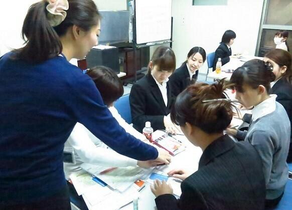 【短期&日給1万円以上】有名スキンケアPRスタッフ@商業施設 イメージ2