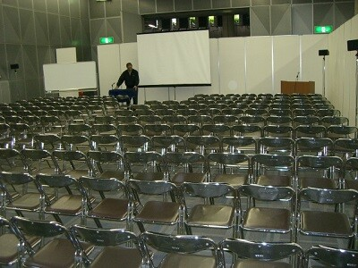\1日~OK/イベント会場でイス並べなどのコツコツ作業! イメージ1
